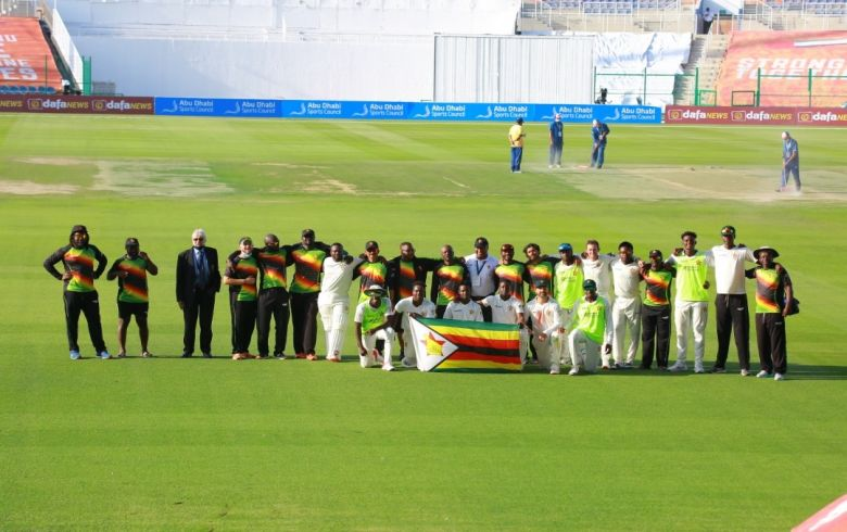 Bowlers, Williams give Zimbabwe lead